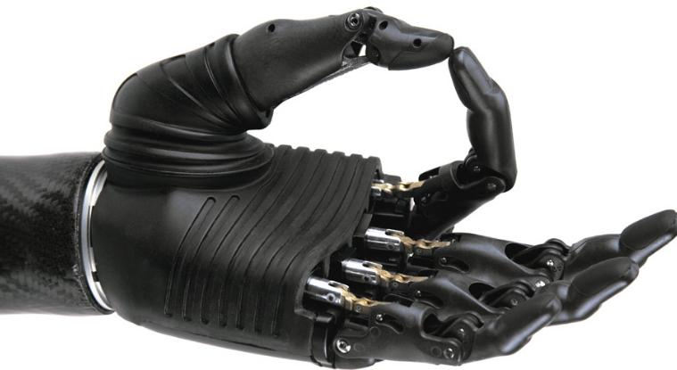 Кто сказал, что протез должен быть похож на реальную руку?
