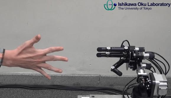 Роботизированная рука обыграет Вас на «камень – ножницы – бумага»