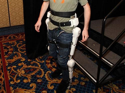 """Реабилитационный робот R-loud """"видит"""" движение мышц!"""
