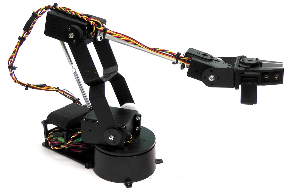 Выбираем роботов в подарок на Новый Год! Рука-манипулятор Lynxmotion AL5D