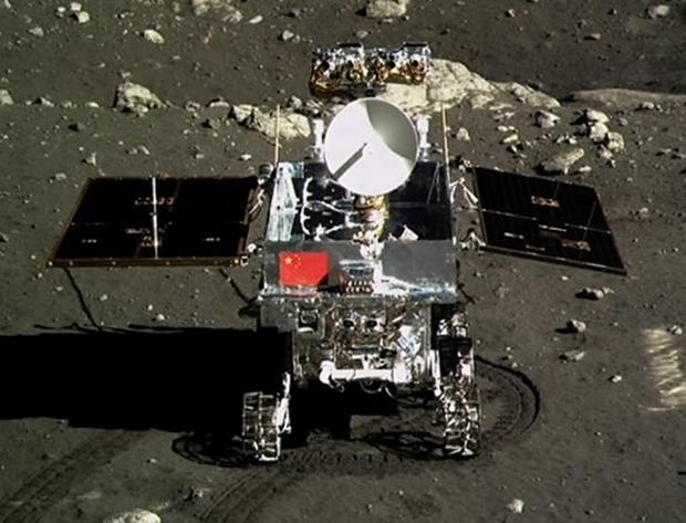 Впервые за 40 лет робот бродит по Луне!