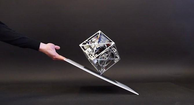 Великолепный баланс Cubli