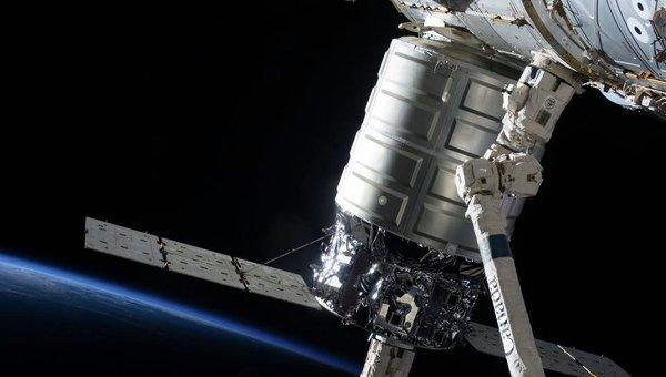 Коммерческий космический корабль США отправился на МКС