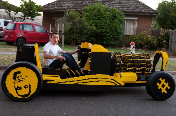 mindblowing-lego-car-670