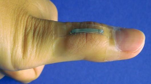 При помощи серебряного нанопровода можно создать гибкий сенсорный экран