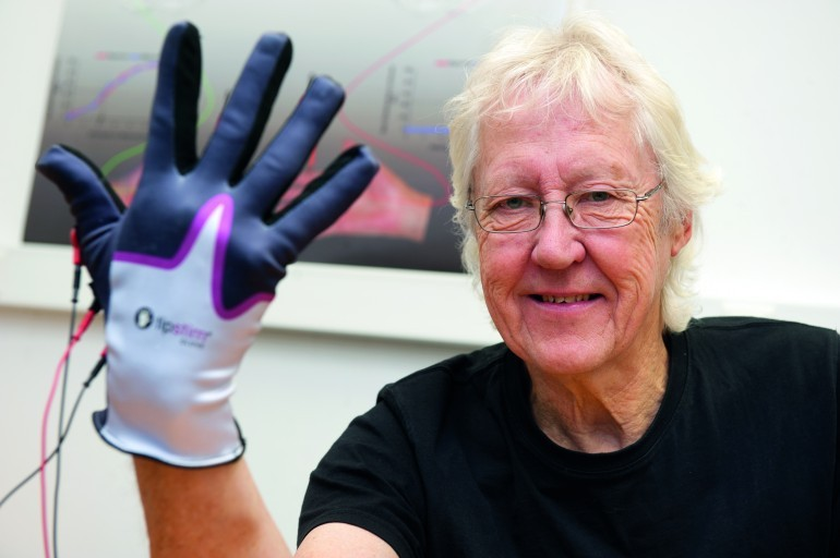 Роботизированная перчатка поможет жертвам инсульта быстрее восстановиться после болезни!