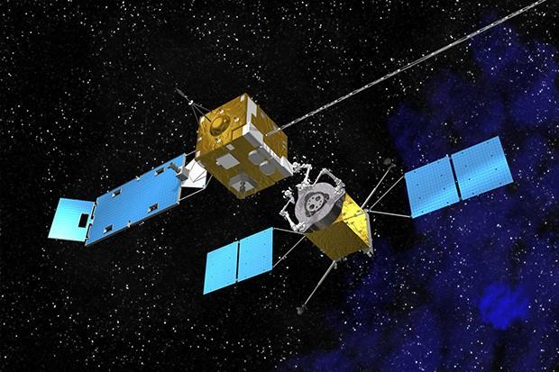 NASA тестирует роботов для дозаправки спутников!