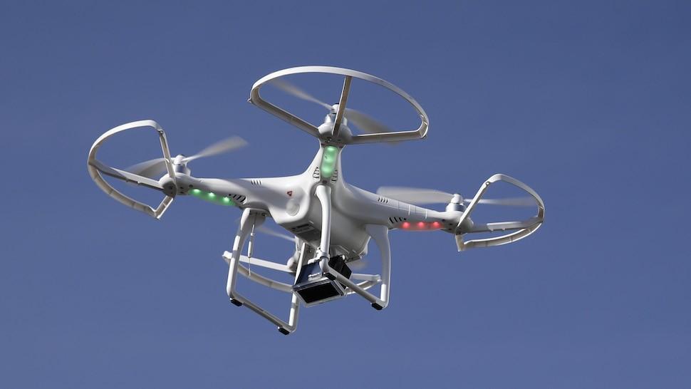 Автономные дроны слетаются в стаи