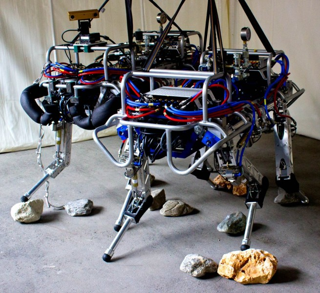 Итальянский HyQ конкурент роботу от  Boston Dynamics!