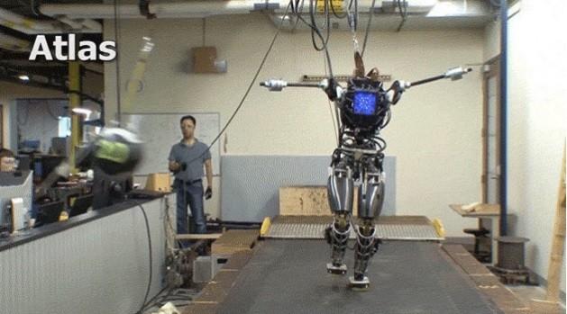 Робот ATLAS вскоре пуститься в самостоятельное плавание