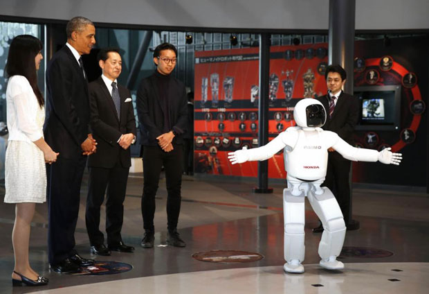 Видео пятницы: Б. Обама приветсвует ASIMO, 3D «протезная рука»  и Гугловские Дроны!