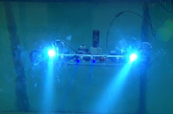 Подводные аппараты охотятся за взрывчатыми веществами.