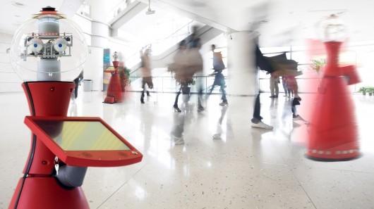 Робот Линда, встречает общественность в Музее естественной истории Лондона