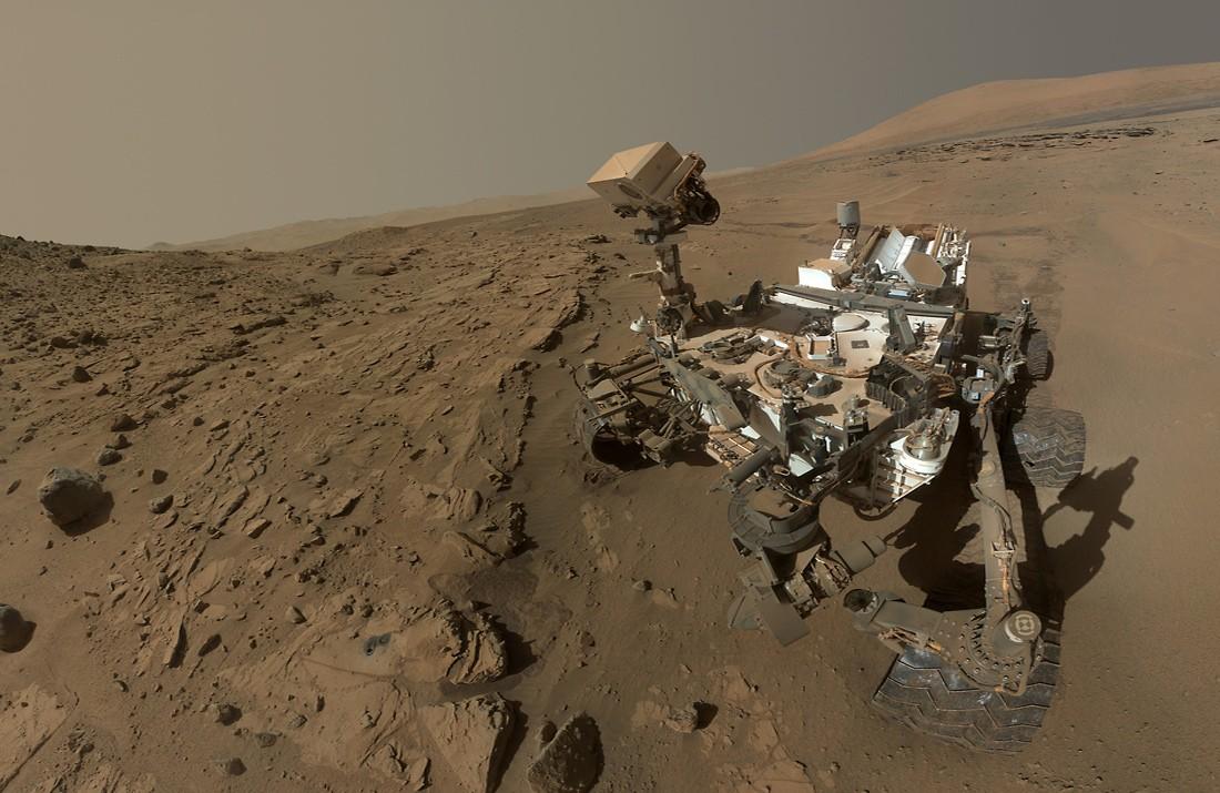 Селфи Кьюриосити на Марсе – черта современности