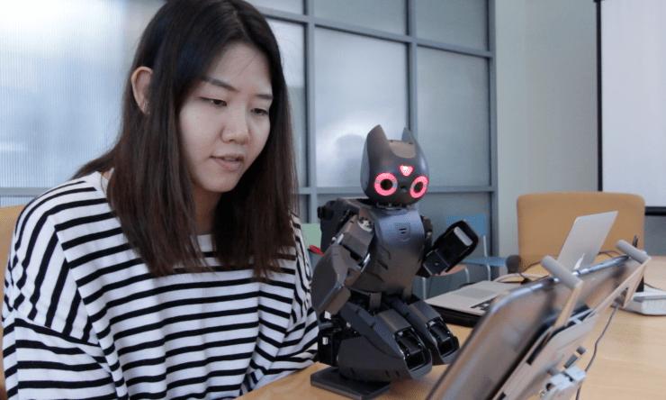 Обучение роботов игре Angry Birds поможет в реабилитации детей