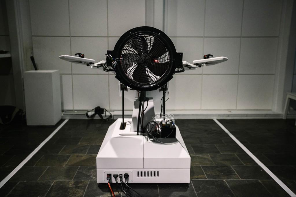 Робот Birdly