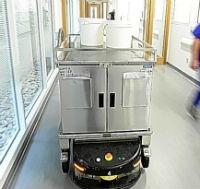 В новой больнице в Англии робокары осуществляют доставку еды
