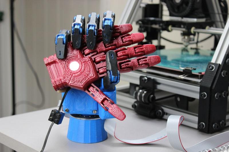 Протез руки, созданный с помощью 3D принтера, в финале конкурса Intel