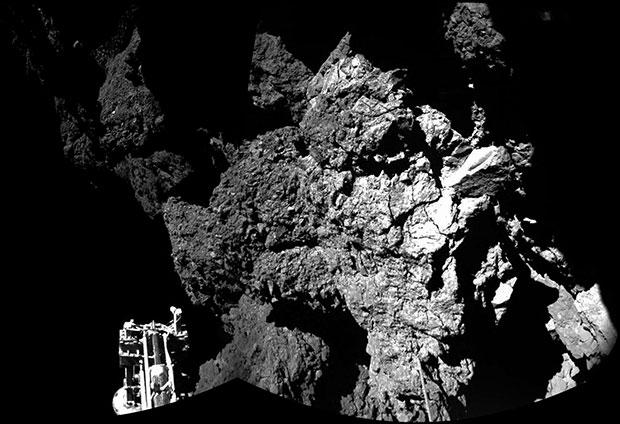 Подборка видео за неделю: высадка на комету, асимо и гигантские боевые роботы!