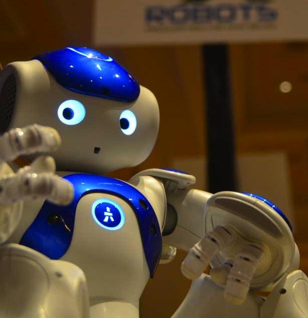 С этим роботом — поход с ребенком к врачу станет более приятным