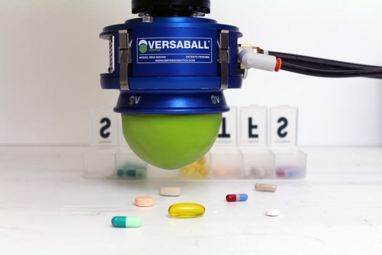 Роботизированное зажимное устройство Versaball на выставке CES-2015