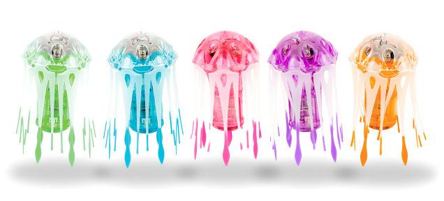 Если в аквариуме живет медуза-робот, следить за ней одно удовольствие