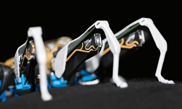 ЕMotionButterflies и BionicANT – биовдохновленные роботы-бабочки и муравьи от Festo
