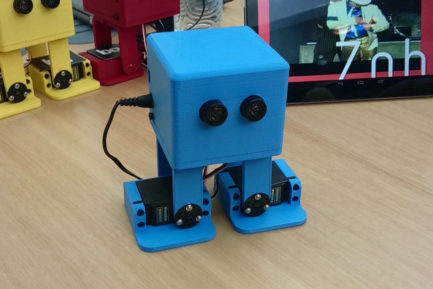Робот, танцующий как Майкл Джексон