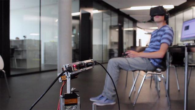 Потрясающий робот Oculus Rift