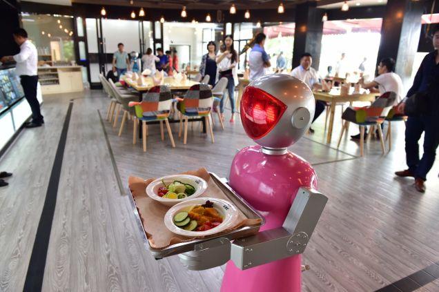 Китайские рестораны с роботами – угроза для национальной безопасности США?