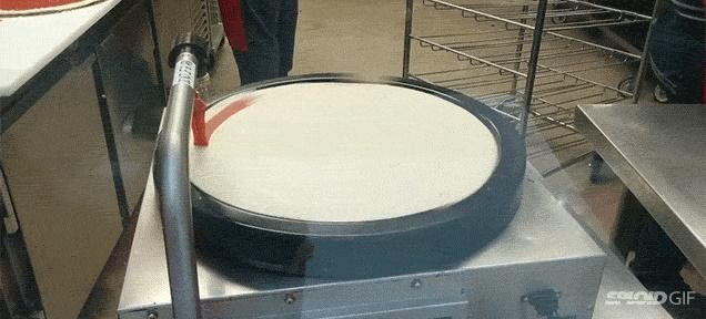 В Costco — волшебный прибор, покрывающий пиццы ровным слоем пасты