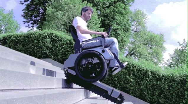 Эта невероятная инвалидная коляска может подняться по лестнице, как танк!