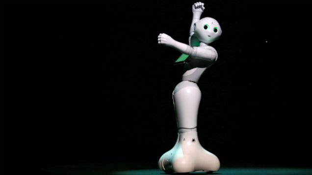 Пеппер – робот, который считывает эмоции, будет доступен потребителям