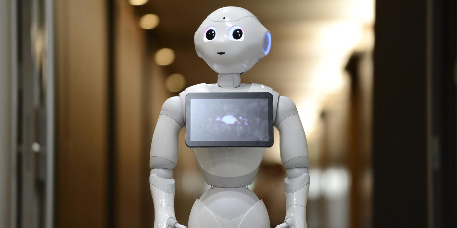 Alibaba и Foxconn делают «ставку» на робота Пеппер от SoftBank