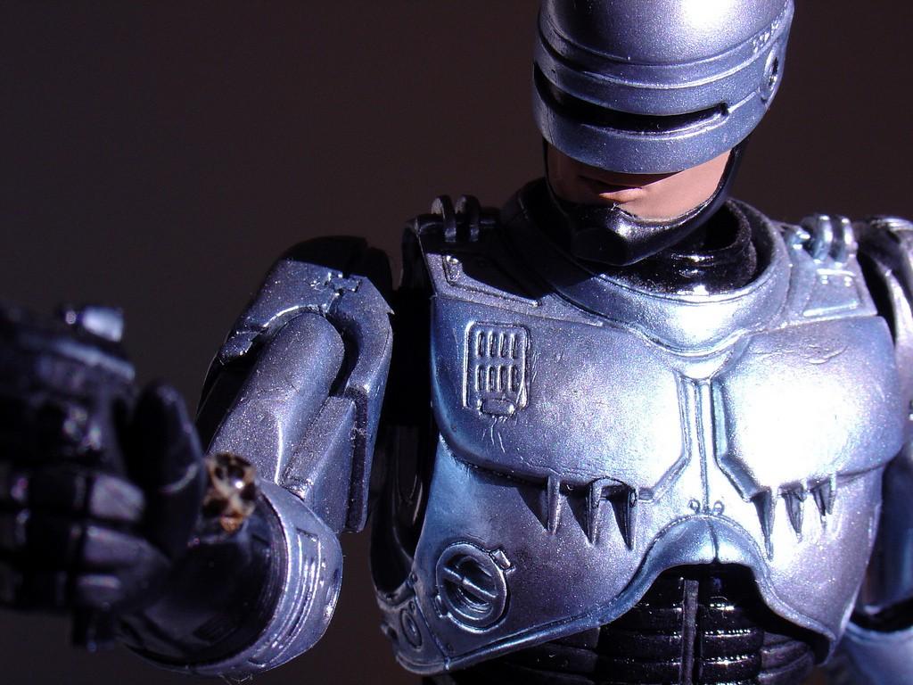 Что делать, если роботизированная машина совершит преступление ?
