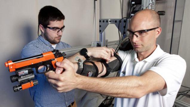 Новый робот в армии поможет солдатам стрелять лучше