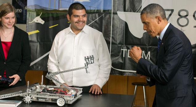 5 лучших встреч президента Обама с роботами