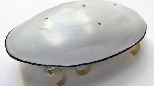 Обтекаемая форма позволяет роботу проскальзывать мимо преград